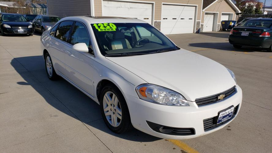 2006 White Chevrolet Impala LTZ (2G1WU581X69) with an 3.9L V6 OHV 12V engine, 4-Speed Automatic Overdrive transmission, located at 923 Army Post Rd., Des Moines, IA, 50315, (515) 287-7732, 41.526928, -93.627419 - Photo #0