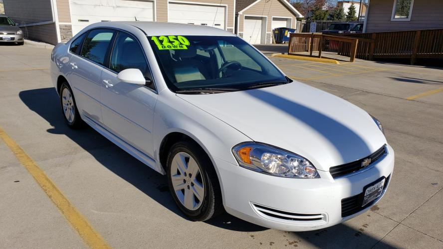 2010 White Chevrolet Impala LS (2G1WA5EK4A1) with an 3.5L V6 OHV 16V FFV engine, 4-Speed Automatic Overdrive transmission, located at 923 Army Post Rd., Des Moines, IA, 50315, (515) 287-7732, 41.526928, -93.627419 - Photo #0